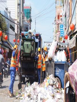 Thu gom, vận chuyển xà xử lý rác thải sinh hoạt