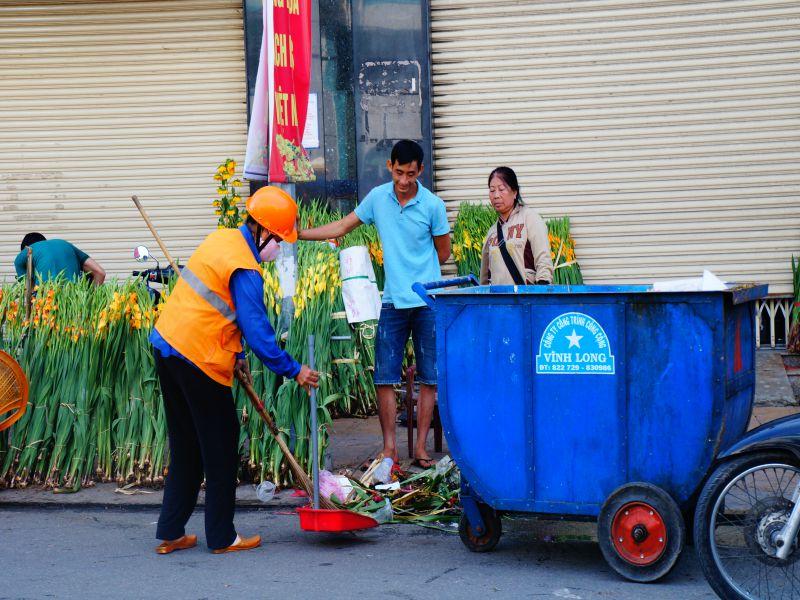 Quét rác đường phố